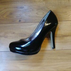 Steve Madden classic black heels size 7